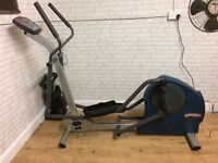 LIFE FITNESS SX30 CROSS TRAINER, DELIVERY AVAILABLE, GYM EQUIPMENT