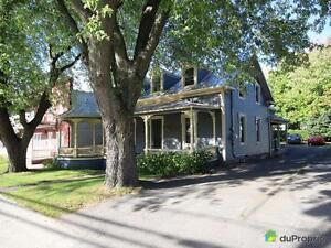 219 000$ - Maison 2 étages à vendre à Victoriaville