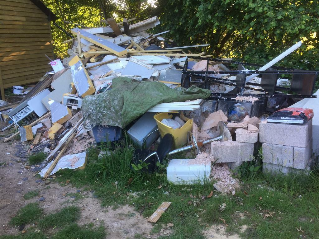 rubbishhousegarden sheds sites builders waste clearance - Garden Sheds Gumtree