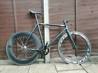 Fixed gear Road bike low pro, carbon wheels