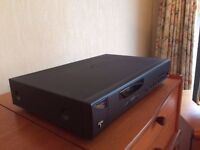 ARCAM ALPHA 7 HIGH END TUNER. MINT CONDITION. MADE IN UK. NO AMPLIFIERS, AMP OR SPEAKERS.