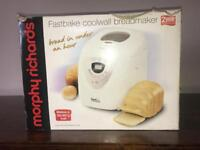 Morphy Richards Fastbake coolwall breadmaker