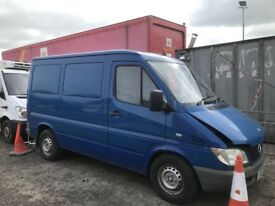 Mercedes sprinter 208 cdi swb 2005 year van breaking engine gearbox ecu set seats doors Wheels