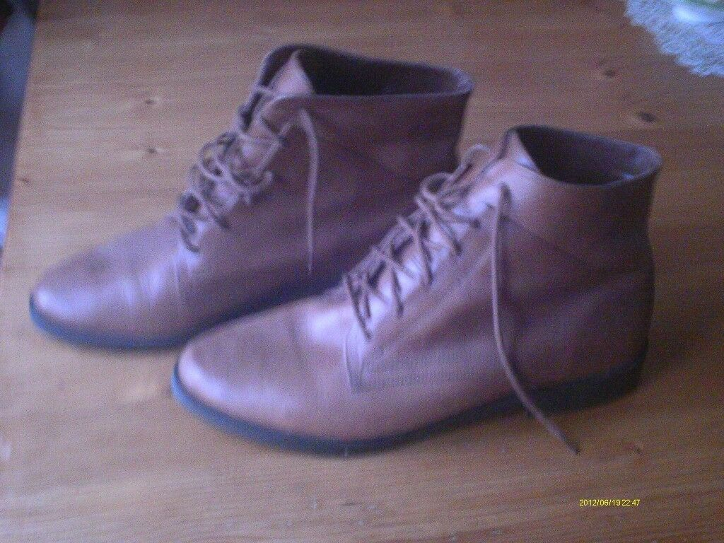 Brown Ladies Leather Boots
