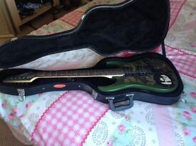 Electric guitar tanglewood camo