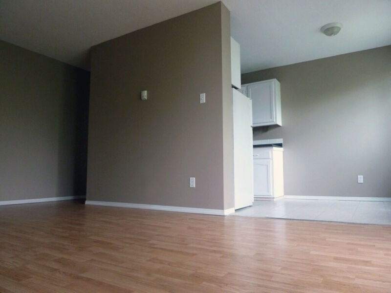 North East Apartment For Rent | 305 13 Avenue NE | Long ...