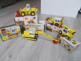 JCB SCALE MODELS DIE CAST AND WITH BOXES