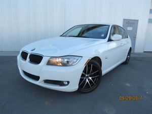 2011 BMW 3 Series 328i xDrive Executive Edition, AWD, LEATHER.