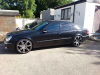 STUNNING MERCEDES E500AMG, FULLY LOADED,7G-TRONIC FSH, 11MOT, PAN ROOF,HARMON, FULL AMG FACTORY