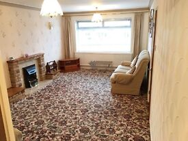 2 bedroom house with garage to rent
