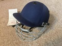 Brand new Readers Vitara cricket helmet - size medium/large