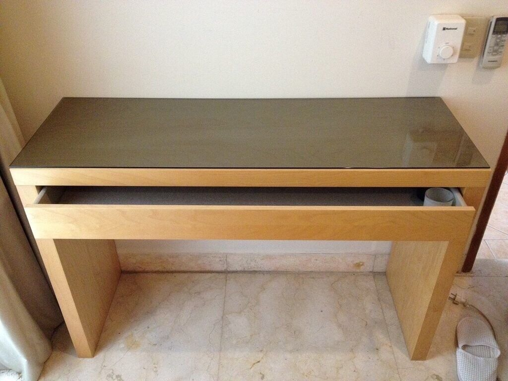 Ikea malm oak dressing table in cardiff city centre for Vanity tables ikea