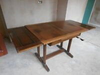 SOLID WOOD EXTENDING TABLE. 167 LENGTH X 75 WIDTH X 78CM HEIGHT. 106CM CENTRE PEICE
