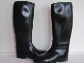 Toggi riding boots full length size 6 very good condition may deliver to some areas .