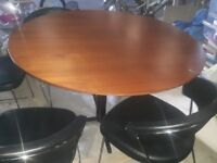 Calligaris kitchen table and 4 chairs