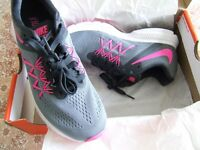 Nike Zoom Winflo 3 ladies trainers size 5 (38.5)
