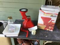 Passata Purée machine and 8 jars