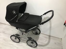 Excellent condition, good as new Silver Cross Pram