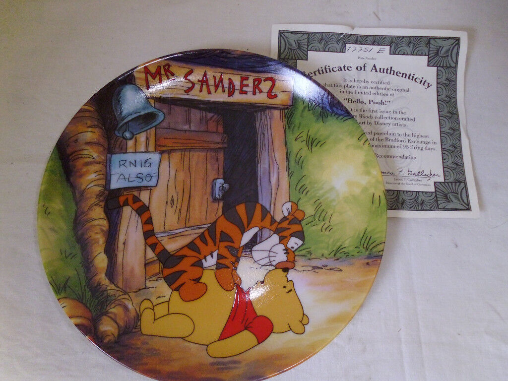 """""""FUN IN 100 ACRE WOODS"""" WHINNIE THE POOH,SET OF 8 COLLECTORS PLATES"""