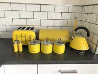 Morphy richards yellow kichen set