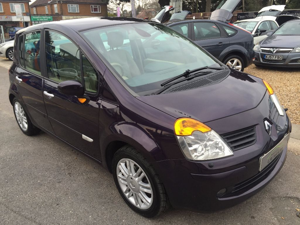 2005 55 renault modus 1 6 16v automatic initiale 5 door excellent condition looks and drives. Black Bedroom Furniture Sets. Home Design Ideas