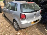 2009 vw polo 1.4 /1.2 petrol 5 doors breaking for parts or spares