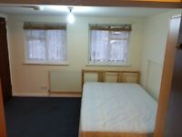 ROOM NEAR HOUNSLOW ASDA AND HIGH STREET