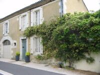 SW France. Stone house in medieval village, garden, garage, pool. 4 beds,4baths. All commerce local