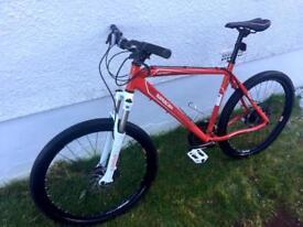 Saracen hydraulic disc Mountain Bike