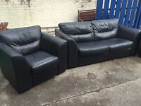 STUNNING VERY COMFORTABLE LARGE LEATHER TWO SEATER SOFA WITH PAIR OF MATCHING ARM CHAIRS.