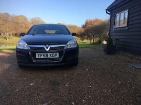 Vauxhall Astra 2009 1.3 diesel only 67000 miles NEW MOT service history