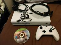 XBOX ONE S 500gb white 1 game battlefield 1 fully working