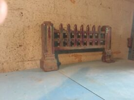 Vintage Gothic Fire Grill / Cast Iron Grate