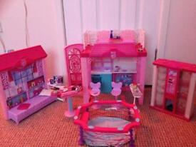 Barbie summer house