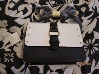 BLACK AND WHITE HANDBAG FROM NEW LOOK BRAND NEW WITH TAGS STILL ON