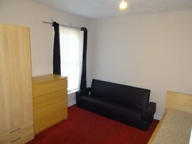 Double room to rent in Victoria Park Rusholme, at £325 monthly