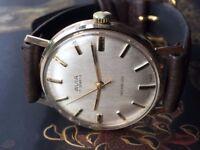 Beautiful Vintage 9k 9ct solid 375 Avia Mens Swiss mechanical watch