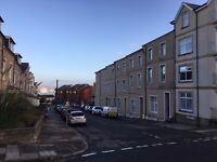*No Fess* 2 Bed flat in Penarth - Newly Decorated - Availiable Now