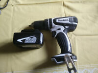 New MAKITA DHP456WZ 18v Lithium-ion White Cordless Hammer Drill Driver + 3.0 AH Battery