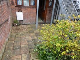 City centre one bedroom unfurnished ground floor flat.