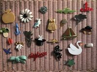 25 Beautiful brooches - vintage and contemporary.