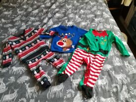 Small bundle 9-12 Christmas clothes