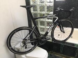 BRAND NEW (SIZE 56cm) 2017 BMC TIME MACHINE TMR01 CARBON ULTEGRA AERO ROAD BIKE