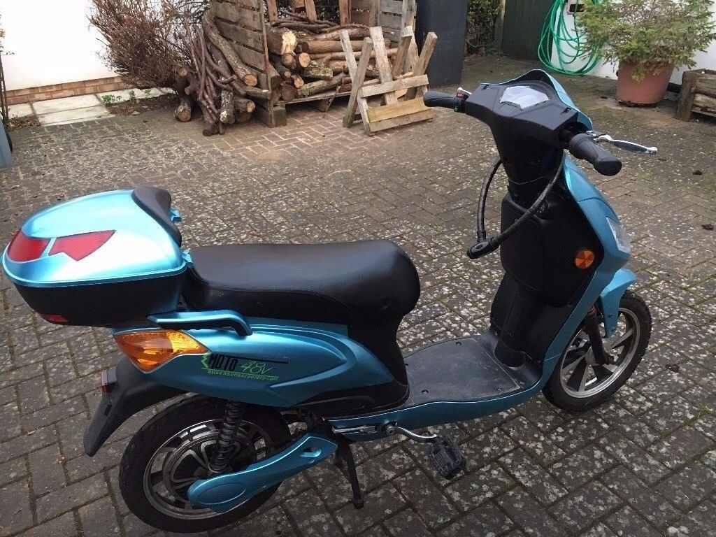 Emoto 48v Electric Scooter, Moped FOR SALE