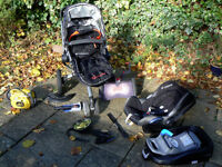 Complete travel system: Quinny buggy, maxi-cosi Cabrio-fix carseat, family-fix base, buggy board