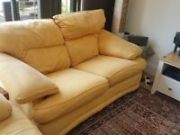 2-seater sofa in gold fabric. Very comfortable. 175 cm long x 95 cm deep.