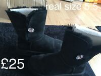 Real uggs for sale 4 pairs