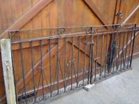 LARGE DRIVE WAY GATES 8 FT WIDE PLUS 4 INCH FOR HINGES 40 INCH TALL REDUCED ONLY £20 FOR QUICK SALE