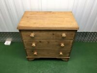 Chest of Drawers - Antique Pine