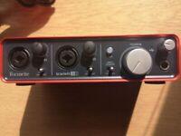 Guitar Audio Interface - Focusrite Scarlett 2i2 2nd generation
